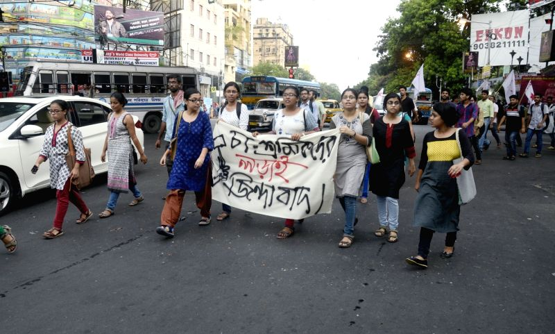 SFI and DYFI activists stage a demonstration against lathi charge on tea garden workers in Kolkata, on June 14, 2017.