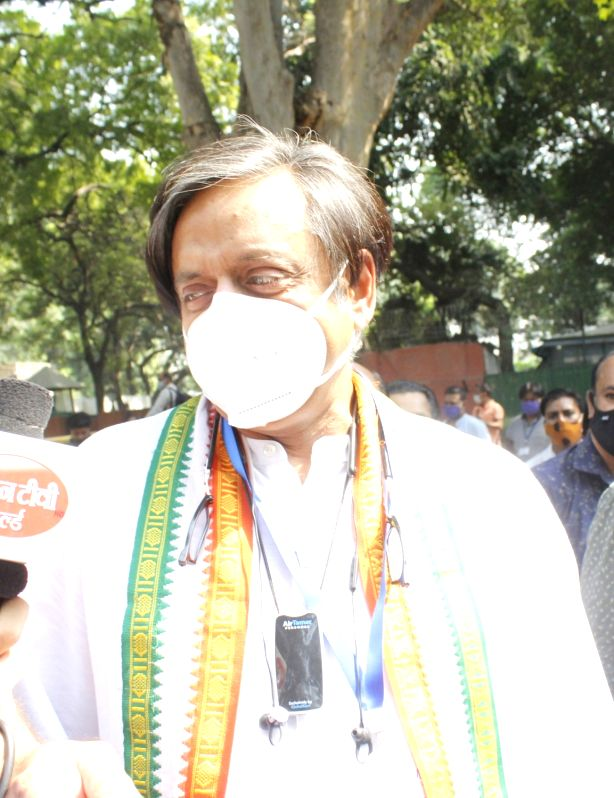 Shashi Tharoor, Rajdeep Sardesai, Mrinal Pande and others booked for sedition