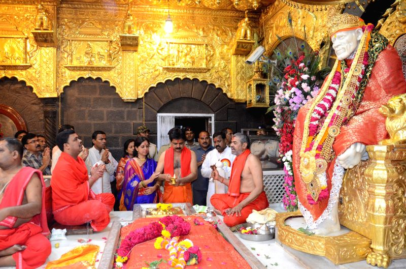 Devotees at Shirdi Saibaba temple on the occasion of Ram Navmi in Shirdi, Ahmednagar district of Maharashtra on March 28, 2015.
