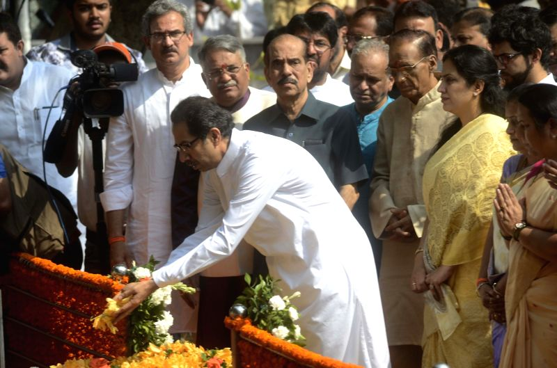 Shiv Sena chief Uddhav Thackeray pays tribute to Shiv Sena founder Balasaheb Thackeray on his death anniversary at Balasaheb Thackeray memorial in Shivaji Park of Mumbai, on Nov. 17, 2015.