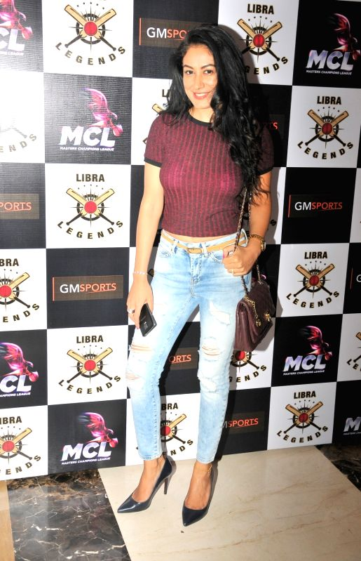 Shweta Khanduri at the launch of Libra Legends Masters Champions League (MCL) team in Mumbai on Nov  30, 2015