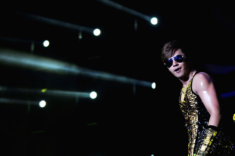 """Singer Show Lo performs at his concert in Singapore Indoor Stadium on May 3, 2014. Show Lo held his concert """"Show Lo 2014 Over The Limit - Dance Soul ..."""