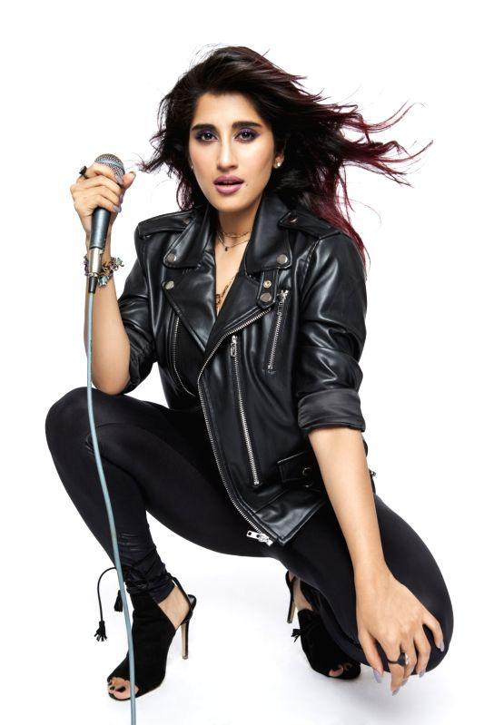 Singer Akasa Singh. - Akasa Singh