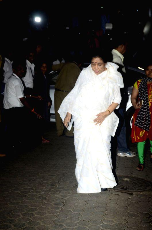 Shashi Kapoor's condolence meet - Shashi Kapoor and Asha Bhosle
