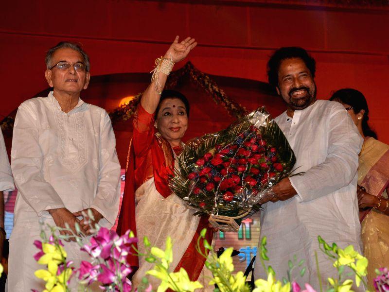 Singer Asha Bhosle during a programme in Kolkata on April 15, 2014.