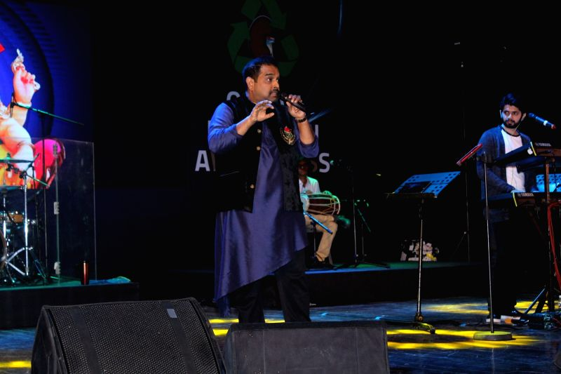 Singer-composer Shankar Mahadevan during a musical night event organised by Amar Gandhi Foundation in Mumbai, on Nov 18, 2017. - Amar Gandhi Foundation
