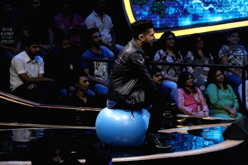 "Singer Guru Randhawa on the sets of reality television show ""Dus Ka Dum"" in Mumbai on July 16, 2018."