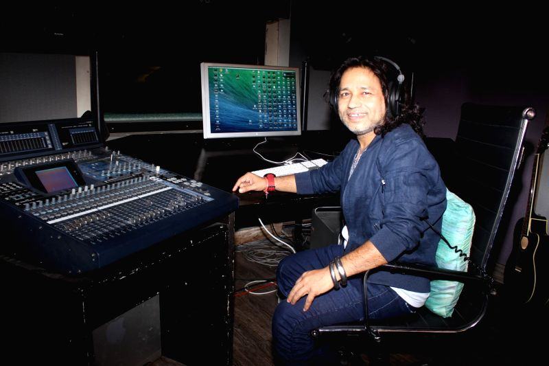 Singer Kailash Kher during a media interaction about his new album `Ishq Anokha` in Mumbai, on May 13, 2016. - Kailash Kher