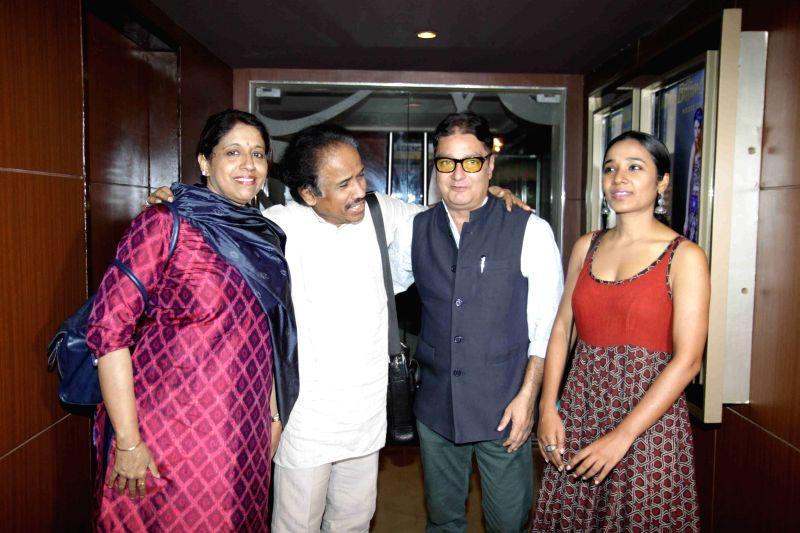 Singer Kavita Krishnamurthy, L Subramaniam and actor Vinay Pathak during the launch of book on film Gour Hari Dastan - The Freedom File in Mumbai, on Aug 10, 2015. - Vinay Pathak