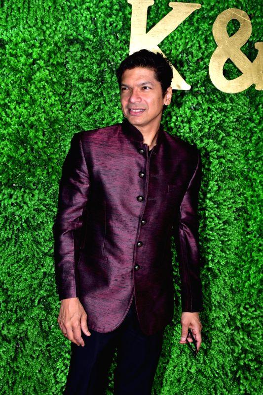 Singer Shaan at the wedding reception of lyricist Sameer Anjaan's daughter Suchita in Mumbai, on Jan 22, 2019.