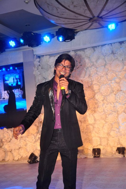 Singer Shaan performing live at the Sangeet ceremony of Uday Singh - the brother is of actor Vikram Singh - and Shirin Morani in Mumbai. - Vikram Singh