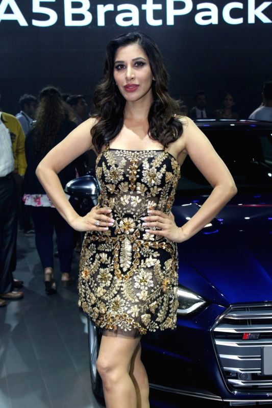 """Singer Sophie Choudry at red carpet of """"Luxury & Fashion As Hello! & Audi"""" in Mumbai on Oct 5, 2017."""
