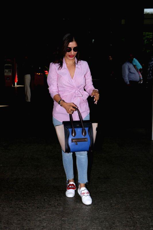Singer Sophie Choudry spotted at Chhatrapati Shivaji Maharaj International Airport in Mumbai, on June 14, 2017.