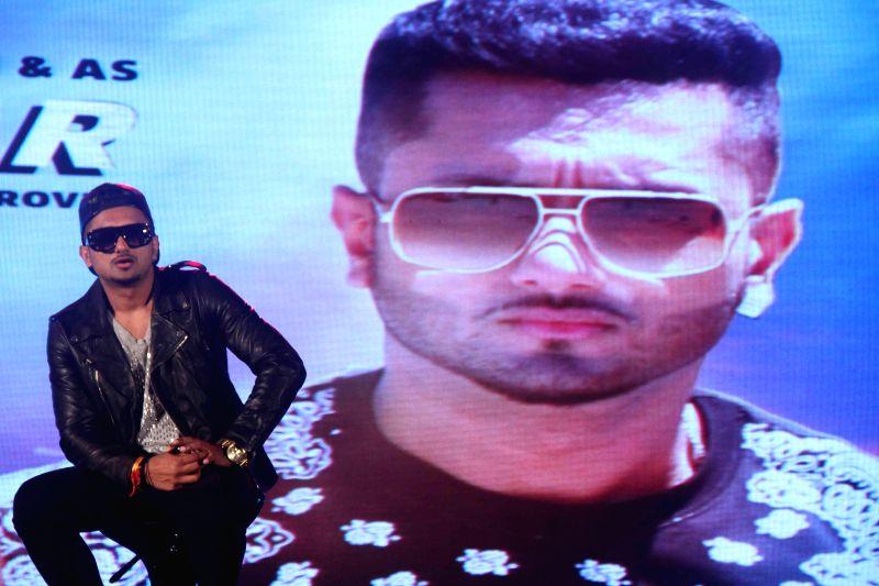 Singer Yo Yo Honey Singh during the launch of new music album Desi Kalakaar in Mumbai on Aug. 26, 2014. - Singh