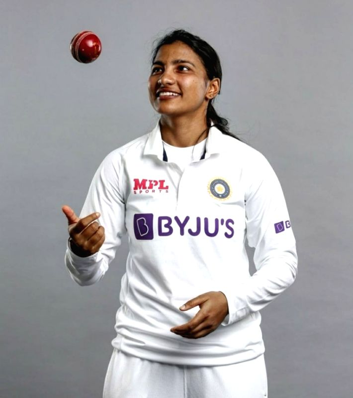 Sneh marks Test debut in style, fulfills late father's dream.