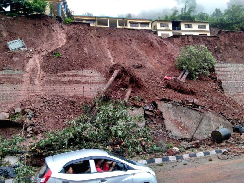 Solan: Landslide triggered by heavy rains, occurred on Kalka- Shimla national highway near Jabali in Himachal Pradesh's Solan district, on Aug 2, 2019.