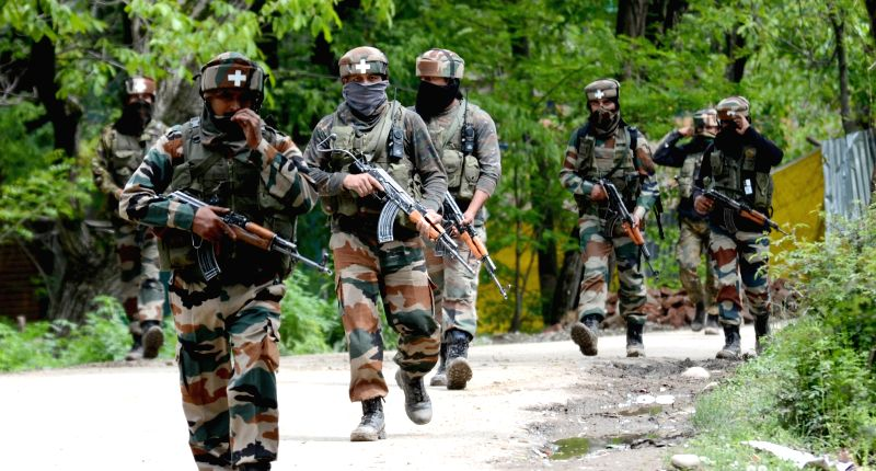 Soldiers return back after a massive eight-hour search operation by security forces in around 20 villages of Jammu and Kashmir's Shopian district ended on May 4, 2017.