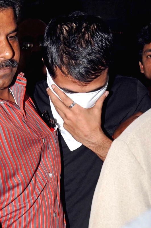 Son of Saradha Group chief Sudipta Sen, Sudipto Sen being taken to be produced in a court of Kolkata for his alleged involvement in the multi-crore Saradha Group chit fund scam in Kolkata on April ...