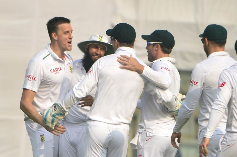 South African bowler Morne Morkel celebrates dismissal of Indian batsman Murli Vijay with team mates during fourth and final cricket test against South Africa at the Feroz Shah Kotla ... - Morne Morkel
