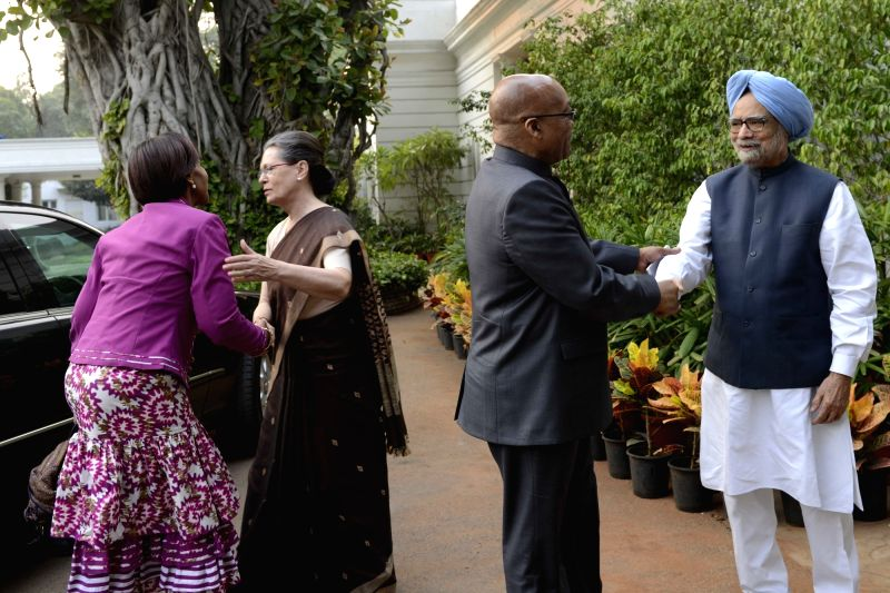 South African President Jacob Zuma and South African Minister of International Relations and Cooperation Maite Nkoana-Mashabane meet Former Prime Minister Manmohan Singh and Congress chief ... - Manmohan Singh and Sonia Gandhi