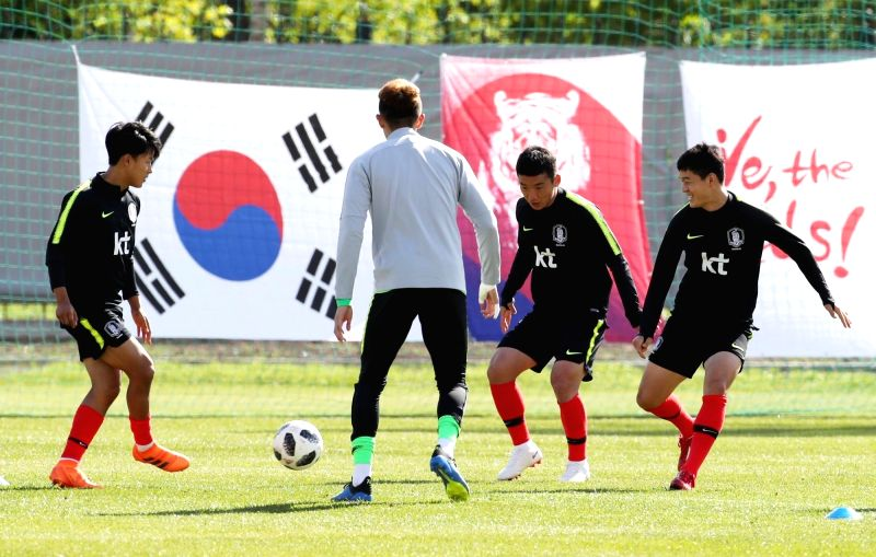 South Korea's national football players train at Spartak Stadium in Saint Petersburg, Russia, on June 13, 2018, the eve of the World Cup.