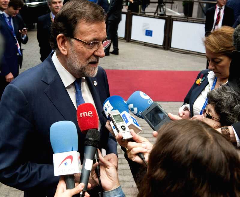 Spanish Prime Minister Mariano Rajoy adresses the media before a meeting of the European Popular Party in Brusslels, Belgium, 31 July 2015. Rajoy defended the permanence of Greece in the euro but ...