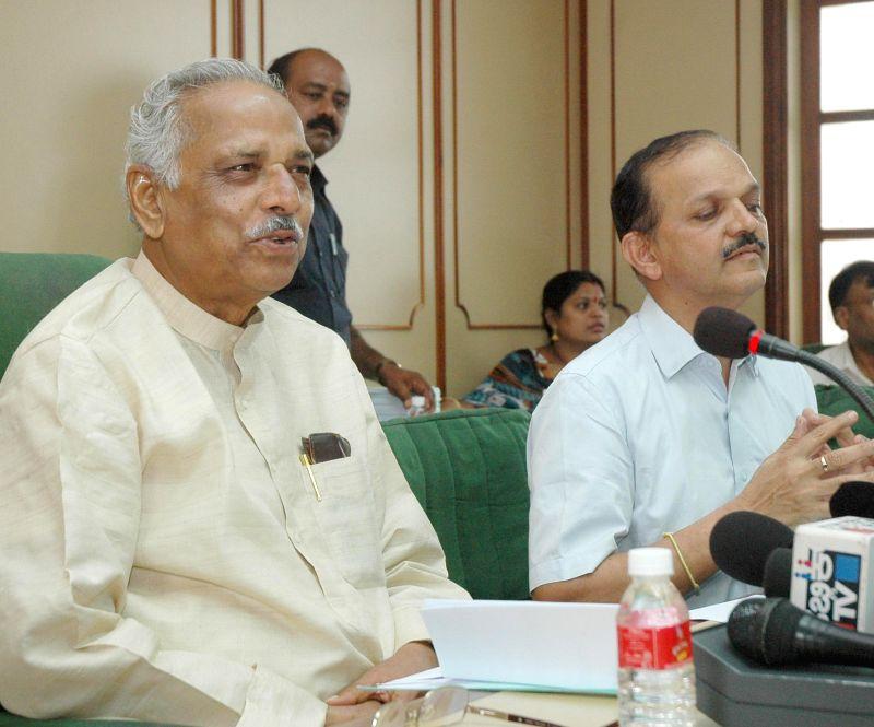 Speaker of Karnataka Legislative Assembly Kagodu Thimmappa addresses a press conference in Bangalore on June 18, 2014.