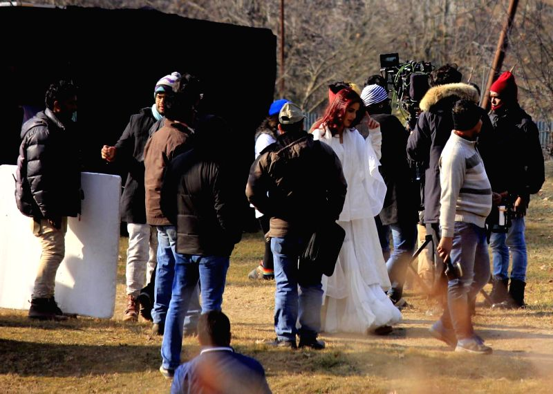 Actors Aditya Roy Kapur and Katrina Kaif shooting for the movie 'Fitoor' at Nishat Bagh on the banks of Dal Lake in Srinagar on Jan. 31, 2015.
