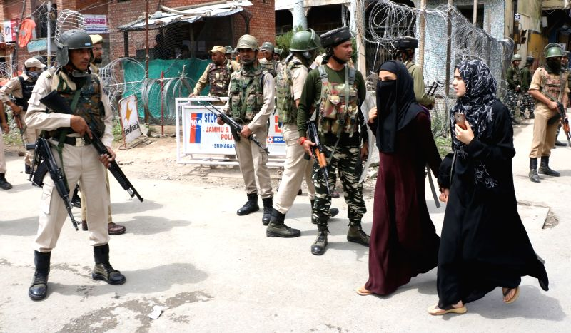 Srinagar: Security beefed up ahead of Independence Day celebrations, in Srinagar on Aug 14, 2018. Security forces have been put on high alert in Jammu and Kashmir, especially in Kashmir Valley, ahead of Independence Day to thwart militants' attempts