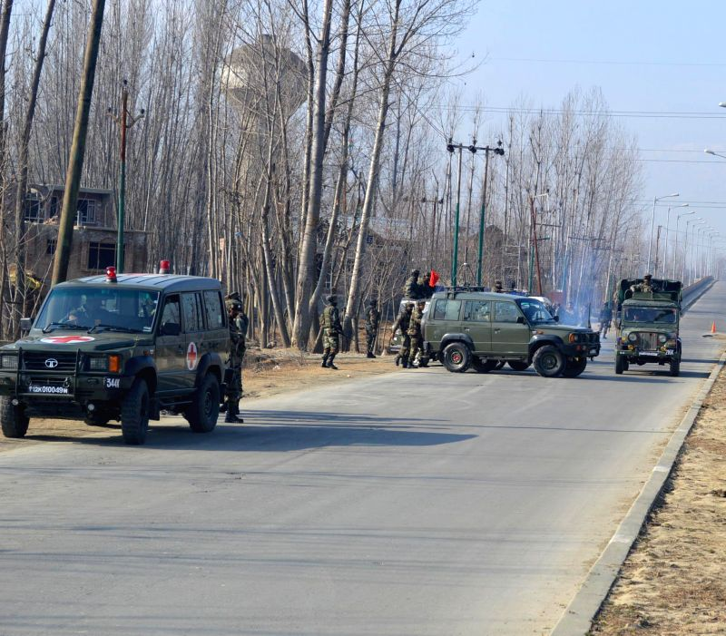 The joint road opening party of army that detected an IED planted by militants along Srinagar-Gulmarg road, in Jammu and Kashmir on Jan 19, 2015.