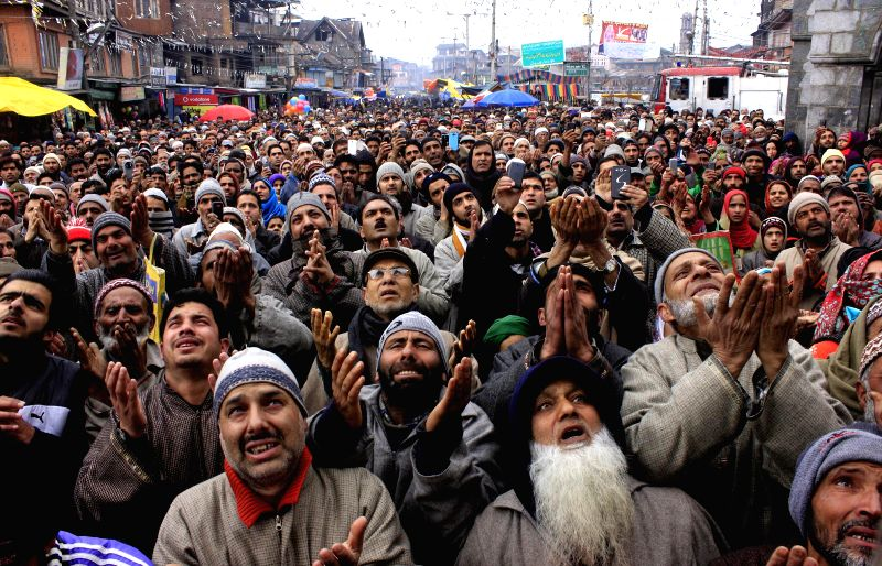 Thousands Devotees attend the annual Urs of the Hazrat Gous-ul-Azam, at Dastgeer Sahib, located at Khaniyar, Srinagar on Feb. 1, 2015.