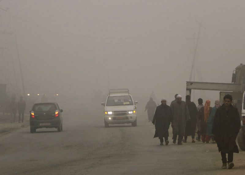 Srinagar wakes to a foggy morning on Nov 23, 2015.