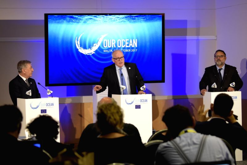 ST. JULIAN'Frans Timmermans (C), First Vice-President of the European Commission, and Karmenu Vella (L), European Commissioner for Environment, Maritime Affairs and ...
