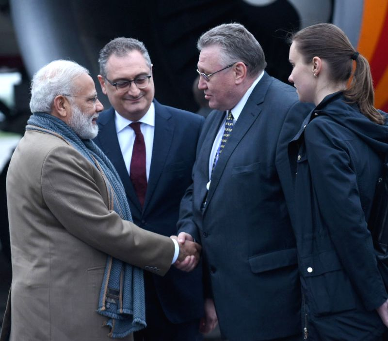 St. Petersburg (Russia): Prime Minister Narendra Modi being received on his arrival, in St Petersburg, Russia, to attend the 18th India Russia Annual Summit and participate in SPIEF-2017, on May 31, ... - Narendra Modi