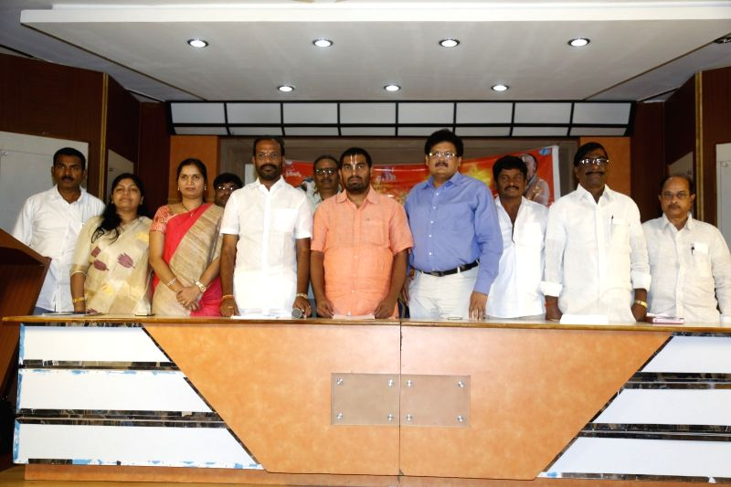 Stills from Samgha Samskarta Bhavadramanujulu Press meet.