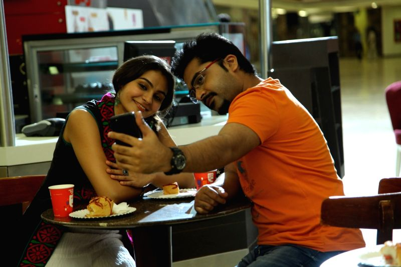 Stills from Tamil film `Idhu Namma Aalu`