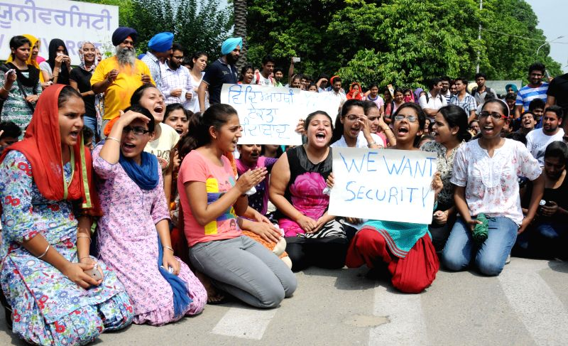 Students of Guru Nanak Dev University demonstrate against university management in Amritsar on Aug 11, 2014.