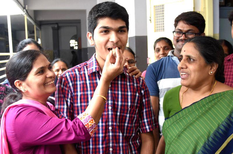 Sumanth Hegde who secured 1st rank in Karnataka SSLC Exam 2017  in Bengaluru on May 12, 2017.