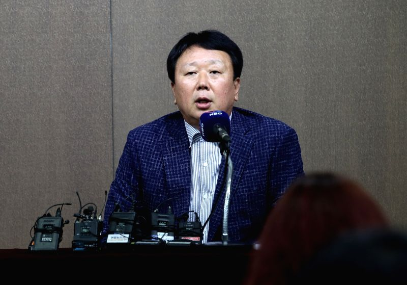 Sun Dong-yol, manager of the Korean national baseball team, announces the roster of the 24-man Asian Games team at the Korea Baseball Organization headquarters in Seoul on June 11, 2018.
