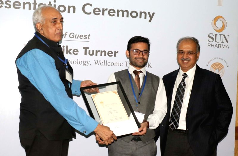 Sun Pharmaceutical Industries Ltd. MD Dilip Shanghvi with Sun Pharma Science Foundation Chairman Virander S Chauhan distribute Sun Pharma Science Scholar award to PhD Medical students in ... - Virander S Chauhan