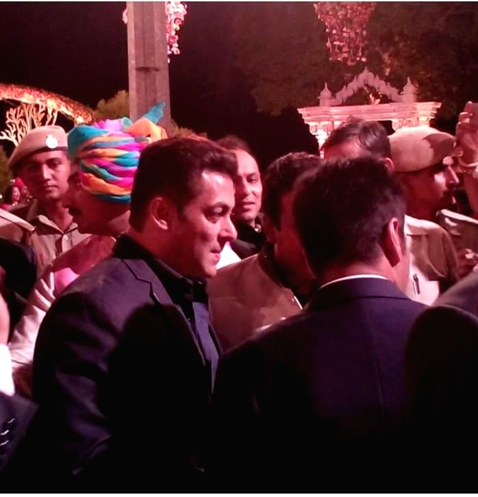 Superstar Salman Khan at the venue of wedding of Nepalese businessman and industrialist Binod Chaudhary's son Varun and jeweller Rajkumar Tongya's daughter Anushree in Udaipur, Rajasthan on ... - Ranil Wickremesingh, Salman Khan and Binod Chaudhary