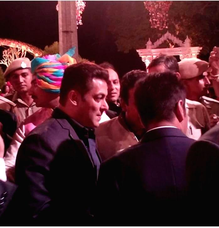 Superstar Salman Khan at the venue of wedding of Nepalese businessman and industrialist Binod Chaudhary's son Varun and jeweller Rajkumar Tongya's daughter Anushree in Udaipur, Rajasthan on ... - Ranil Wickremesingh, Salman Khan and Binod Chaudhary