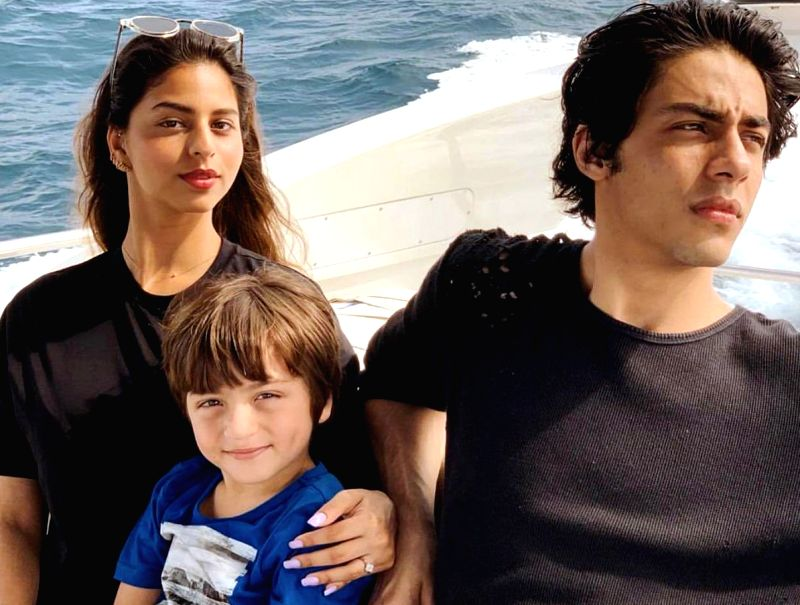 Superstar Shah Rukh Khan's wife and interior designer Gauri Khan shared an adorable photograph of her three children Aryan, Suhana and AbRam from her their Maldivian vacation.  (Photo: Twitter/@gaurikhan)