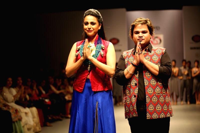 Swara Bhaskar walked the ramp for Akassh K Aggarwal