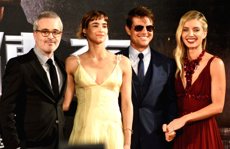 "TAIPEI, May 26, 2017 - Director Alex Kurtzman, actress Sofia Boutella, actor Tom Cruise and actress Annabelle Wallis (L to R) attend a premiere ceremony of the film ""The Mummy"" in Taipei, ... - Sofia Boutella"