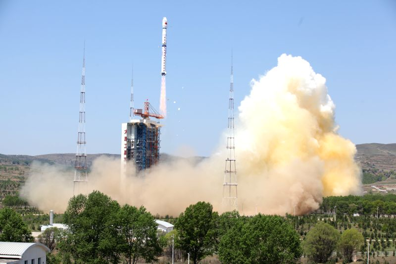 """TAIYUAN, May 30, 2016 - A Long March 4B rocket carrying a new civilian high-resolution mapping satellite """"Ziyuan III 02"""" and two NewSat satellites from Uruguay blasts off at the Taiyuan ..."""