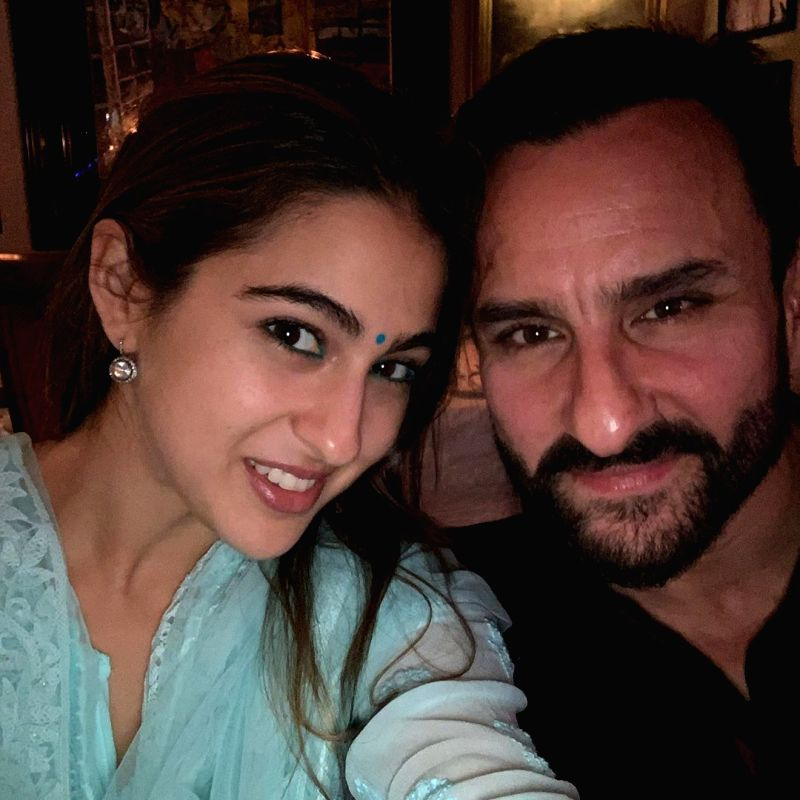 Taking a break from her busy shoot schedule, actress Sara Ali Khan celebrated Diwali with her father Saif Ali Khan, actress Kareena Kapoor Khan, Ibrahim Ali Khan and Taimur Ali Khan.