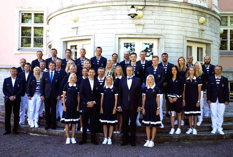 TALLINN, July 20, 2016 - Estonian President Toomas Hendrik Ilves (1st row, 2nd-R) poses for photos with members of Estonian delegation for Rio Olympic Games in Tallinn, Estonia, on July 19, 2016. ...