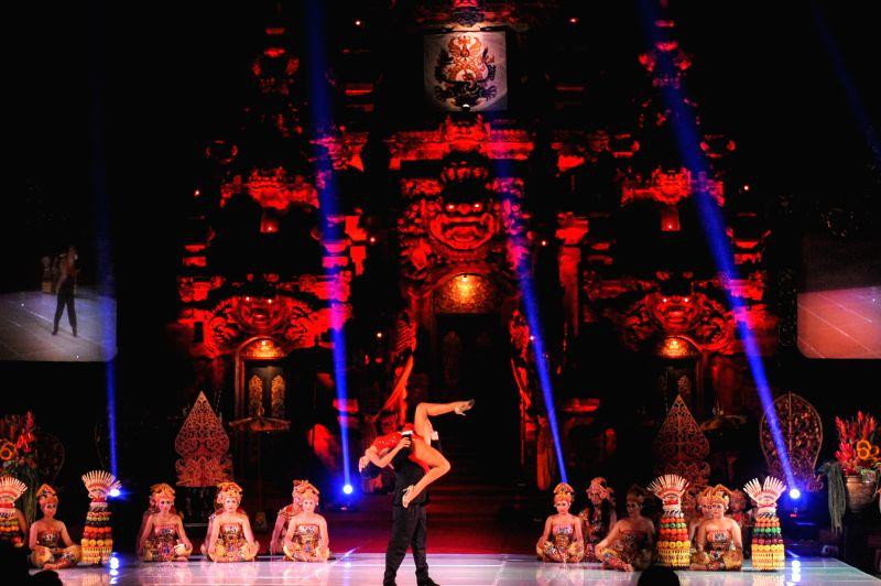 Tango dancers Pablo Georgini and Noelia Colleti perform during the Tango in Paradise Festival at Denpasar in Bali, Indonesia, Nov. 28, 2015. Tango in Paradise Festival ...