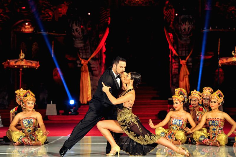 Tango dancers Pablo Giorgini and Noelia Colleti perform during the Tango in Paradise Festival at Denpasar in Bali, Indonesia, Nov. 28, 2015. Tango in Paradise Festival ...